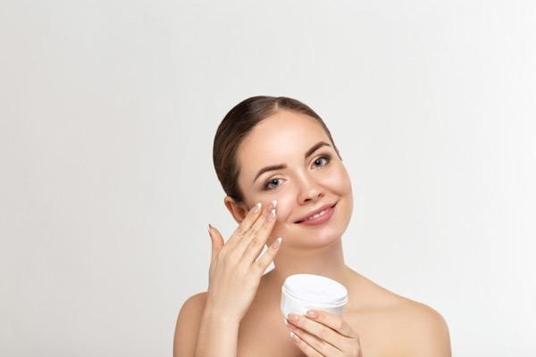cremas antienvejecimiento piel joven