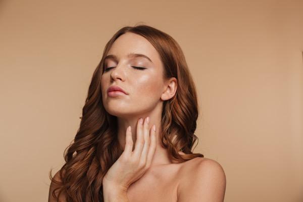 arrugas cuello causas